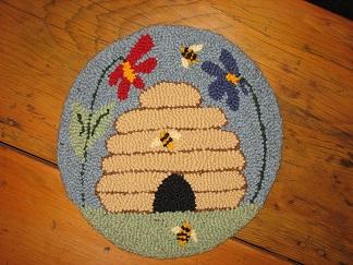 "Garden Home Kit (14"" Round) - NEW-Wool rug punch, home décor, fiber art crafting"